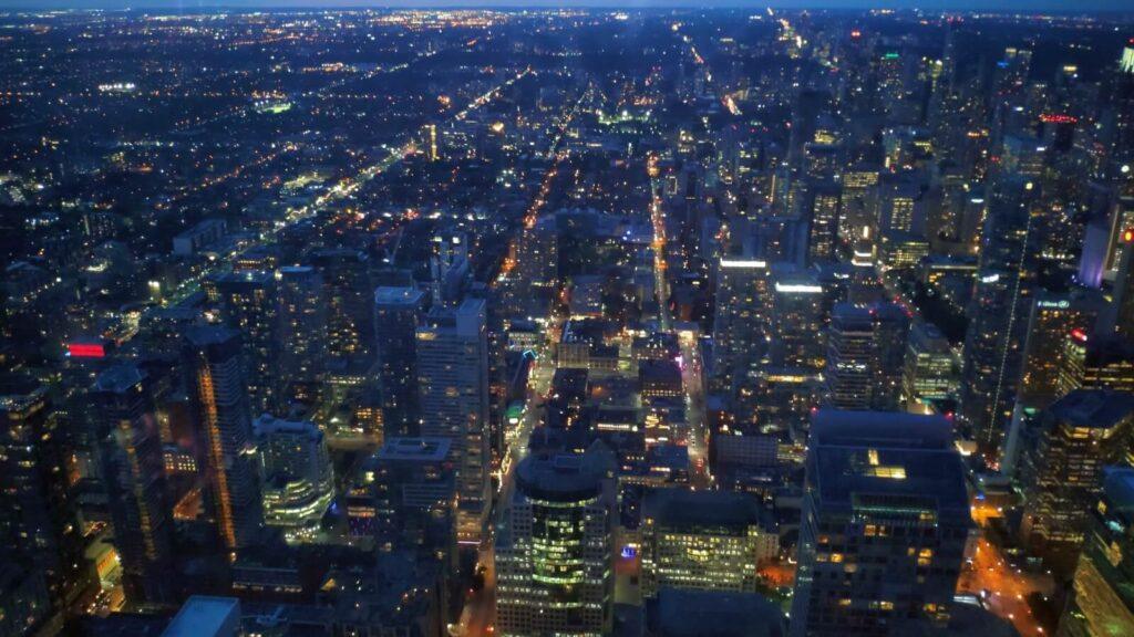 Blick auf Toronto bei Nacht