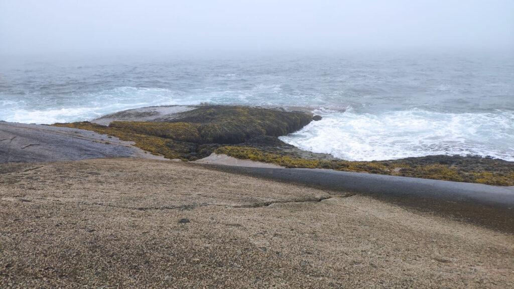 Wellen bei Peggys Cove