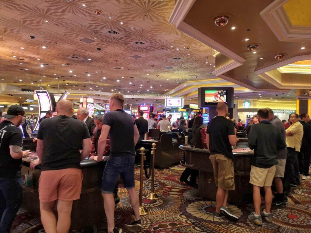 Menschen im Casino 2