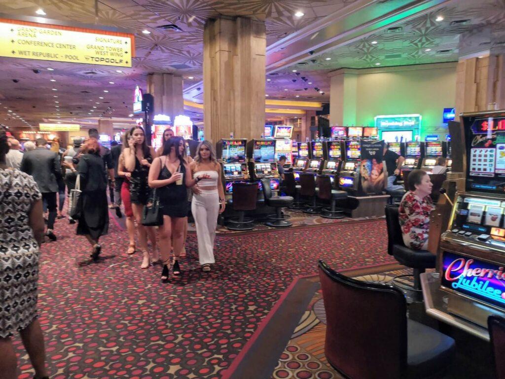Menschen im Casino 3