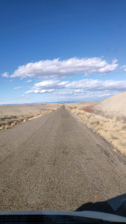 Sehr lange Straße Richtung Colorado