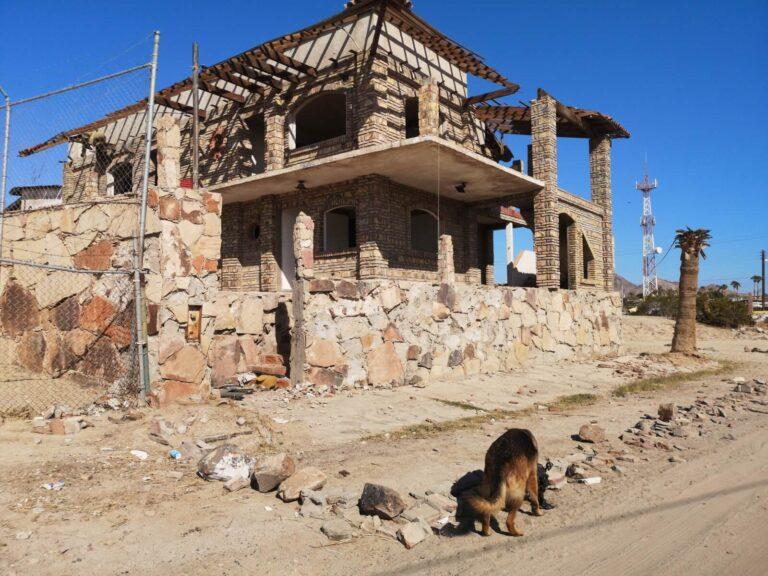 halbfertig in San Felipe