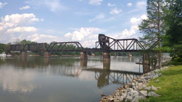 Eisenbahnbrücke Augusta