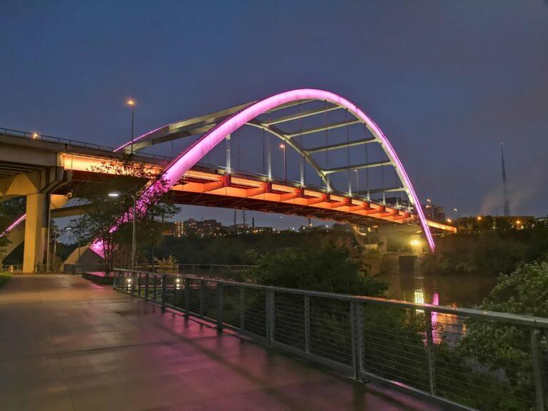 Nashville beleuchtete Brücke