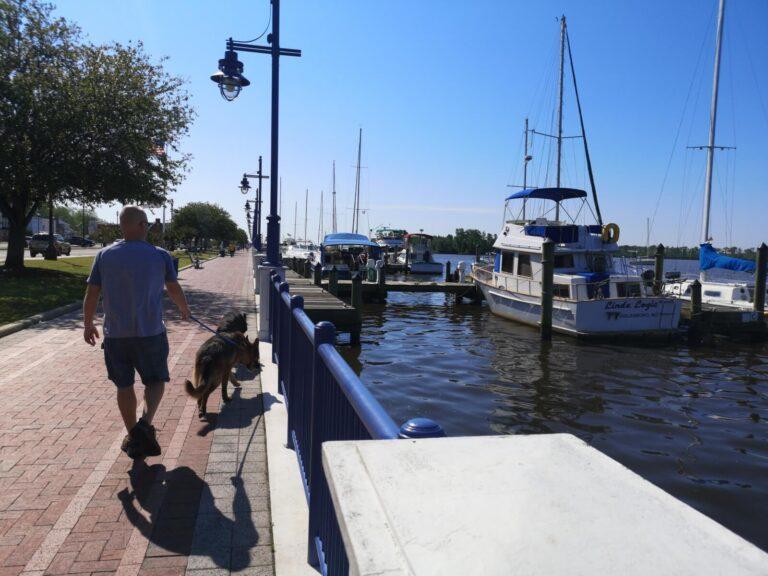 Washington NC Maik am Ufer