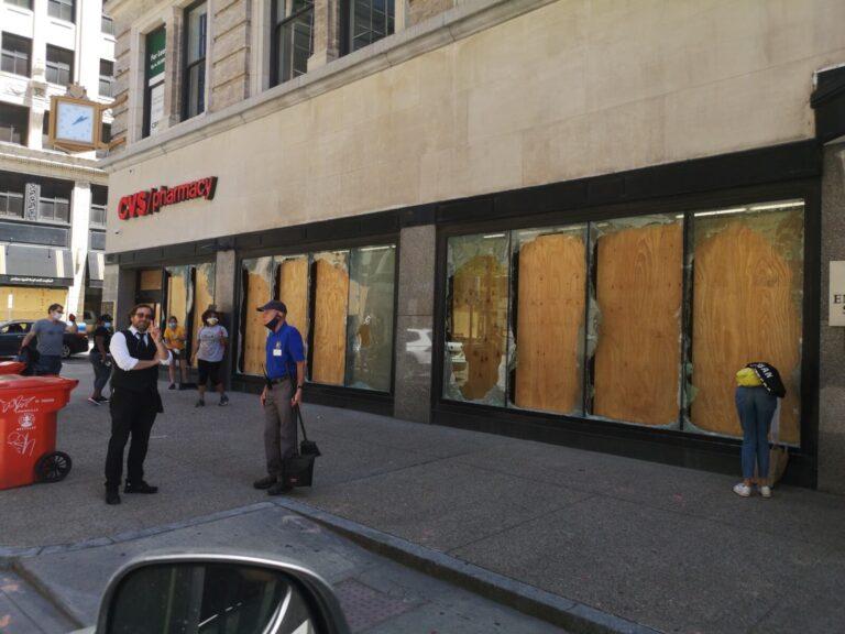 Louisville zerstörte Fenster
