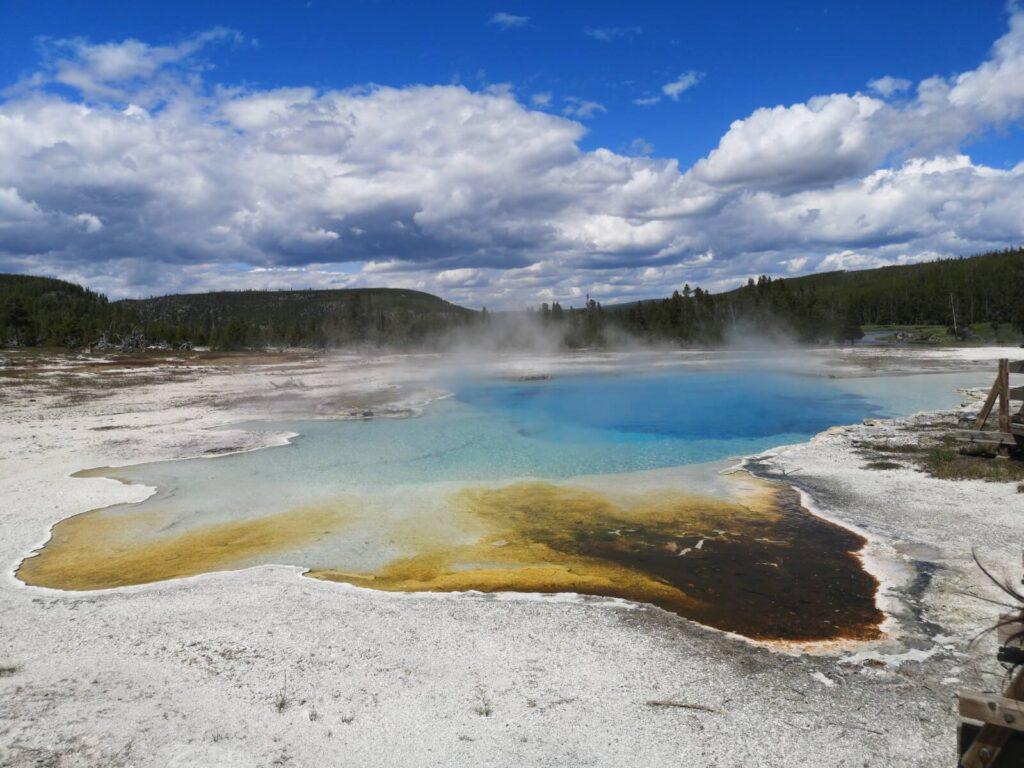Yellowstone blauer See