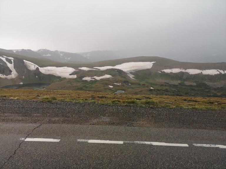 Beartooth Pass weitere Schneefelder