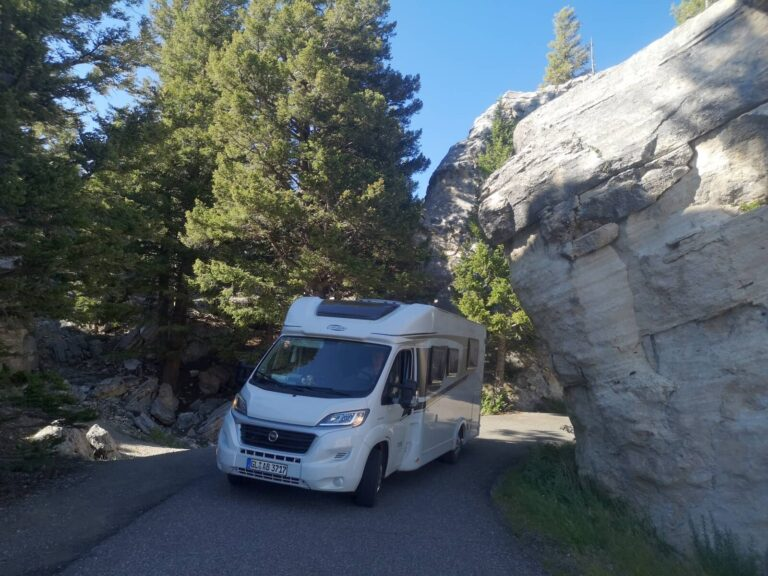 Yellowstone Scenic Road