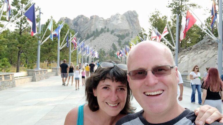 Iris und Maik am Mount Rushmore