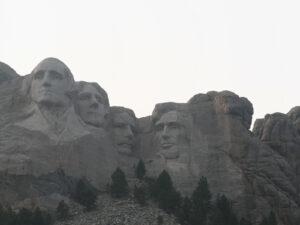 Read more about the article 01.08.2020 bis 27.08.2020: Es wird richtig gemütlich in Montana und abenteuerlich in South Dakota. Über Mount Rushmore und Oklahoma nach Texas.